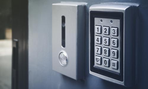 Specializuotų durų užraktų pardavimas, diegimas ir aptarnavimas