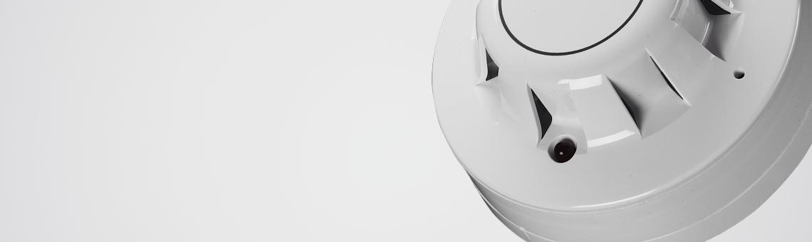 Didelis dūmų detektorių pasirinkimas    Mūsų kataloge rasite dūmų detektorius, kurie gali veikti autonomiškai arba jungiant su priešgaisrinėmis ir apsaugos sistemomis.Dūmų detektoriai skirti naudoti namuose, biuruose, įvairiose pramonės šakose, laboratorijose, ligoninėse ir kitose vietose.