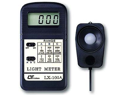 Šviesos srauto matuoklis/liuksometras Lutron LX-101A