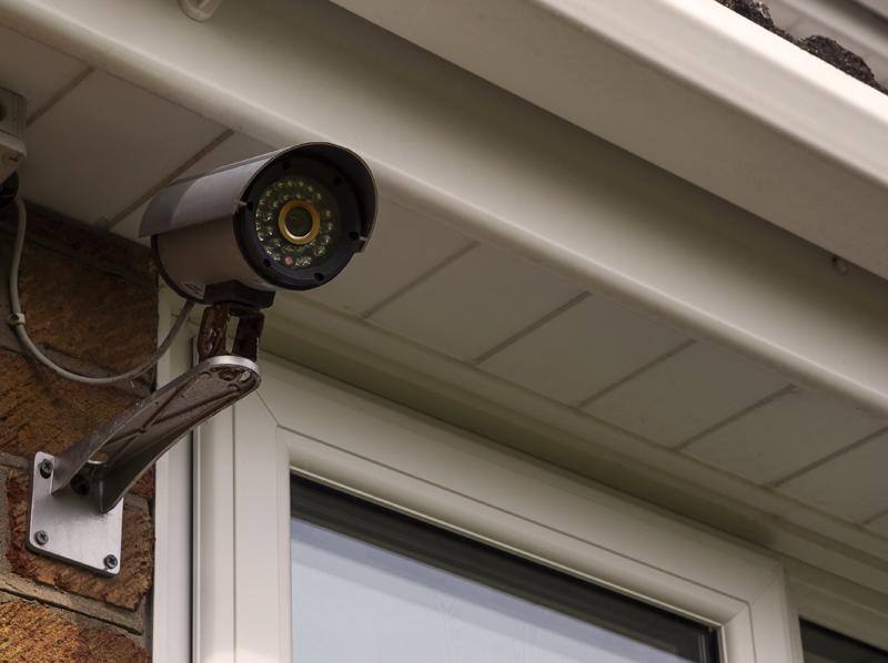 Vaizdo kamerų komplektai pagal individualų poreikį   Dirbame su žinomais pasauliniais gamintojais, galime paruošti Hikvision vaizdo kamerų komplektus, Dahua ir kitų gamintojų apsaugos kamerų komplektus - nuo bazinių modelių iki sudėtingesnių komplektų.  Reikalingas individualus sprendimas? Susisiekite su mumis.  Pagal jūsų poreikius ir finansines galimybes sukursime apsaugos kamerų komplektą, skirta jūsų konkretaus objekto apsaugai.