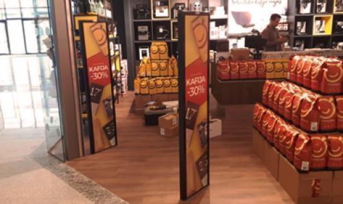 Sumontavome prekių apsaugos vartelius Kavos draugas parduotuvėse