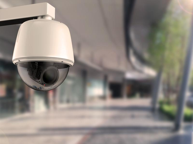 Lauko ir vidaus imitacinės kameros nusikaltimų prevencijai sustiprinti   Imitacinė kamera gali būti puikus sprendimas efektyviai atgrasyti vagis ir vandalus nuo potencialių nusikaltimų. Vidaus ir lauko muliažines kameras rekomenduojama montuoti gerai matomose vietose, kad asmenys matytų ir manytų, jog aplinka stebima profesionaliomis vaizdo kameromis.  Netikros stebėjimo kameros gali būti kombinuojamos kartu su įprastomis vaizdo kameromis. Imitacinės kameros papildo bendrą apsaugos sistemą ir padidina nusikaltimų prevenciją.