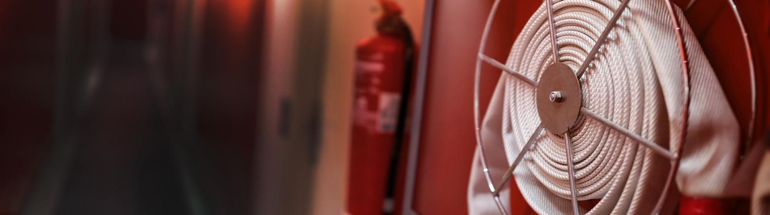 Gesintuvų pildymas, patikra, gaisrinių žarnų techninis aptarnavimas
