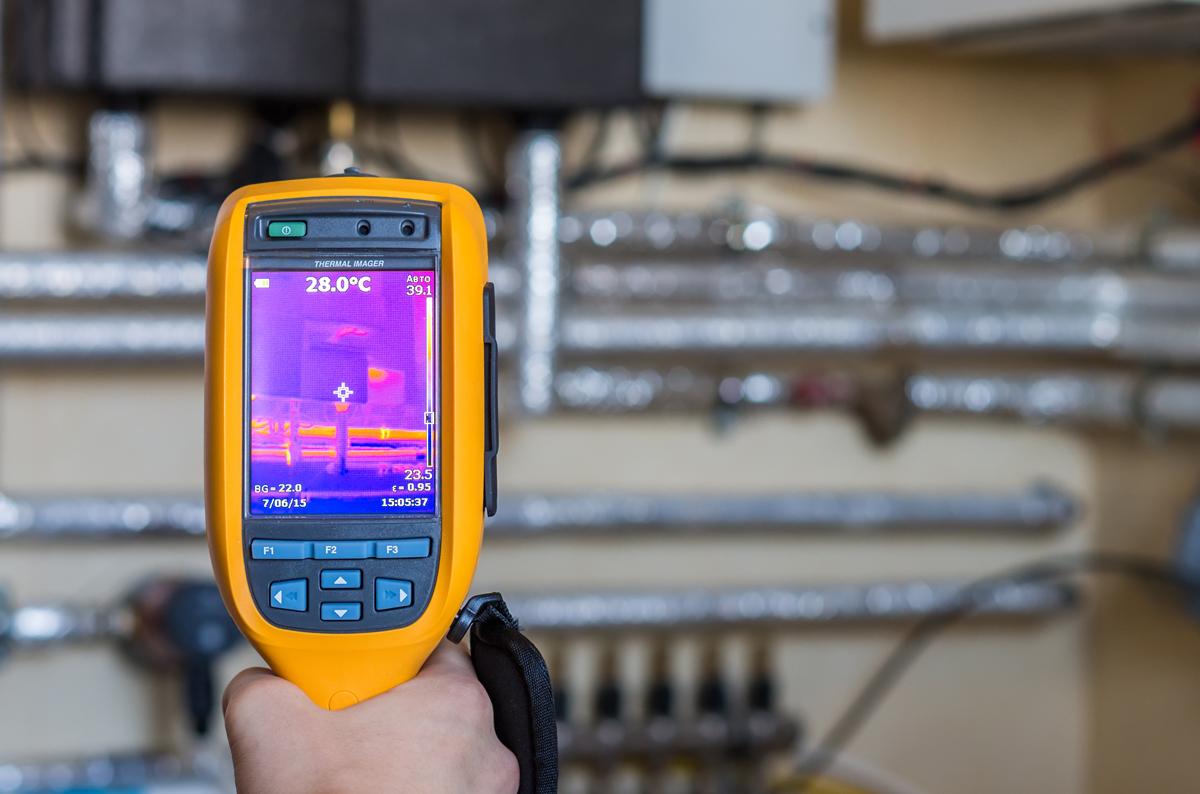 Termovizinius matavimus atliekame patikima įranga  Termovizinius tyrimus atliekame pažangiais, patikrintais, itin tiksliais termovizoriais, kurie pasižymi puikiomis darbinėmis savybėmis bei itin gera šiluminio vaizdo kokybe.