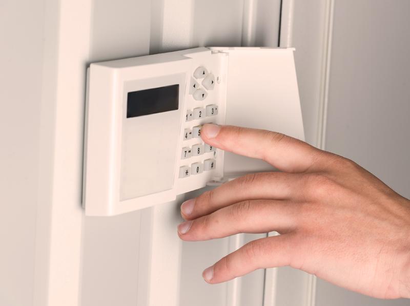 Perimetro ir vidaus patalpų apsaugos sistemos  Laidinių ir belaidžių apsaugos sistemų pardavimas ir montavimas. Apsaugos centralės, judesio, smūgio, stiklo dūžio jutikliai, lauko ir vidaus sirenos, perimetro apsauga. Parduodame įrangą skirtą tiek individualaus namo ar buto, tiek didelio komercinio ar gamybinio objekto apsaugai nuo įsilaužimų.