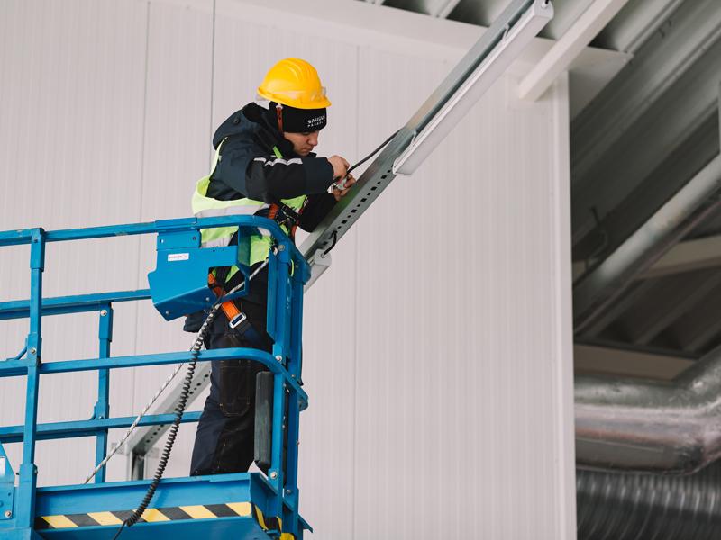 Atlikti elektros instaliacijos darbai naujame sandėliavimo pastate Telšiuose   Pilnai atlikome elektros montavimo darbus - nuo lauko iki vidaus įvadų. Sumontavome apšvietimo, apsaugos, priešgaisrinės saugos signalizacijas, vaizdo stebėjimo sistemas.